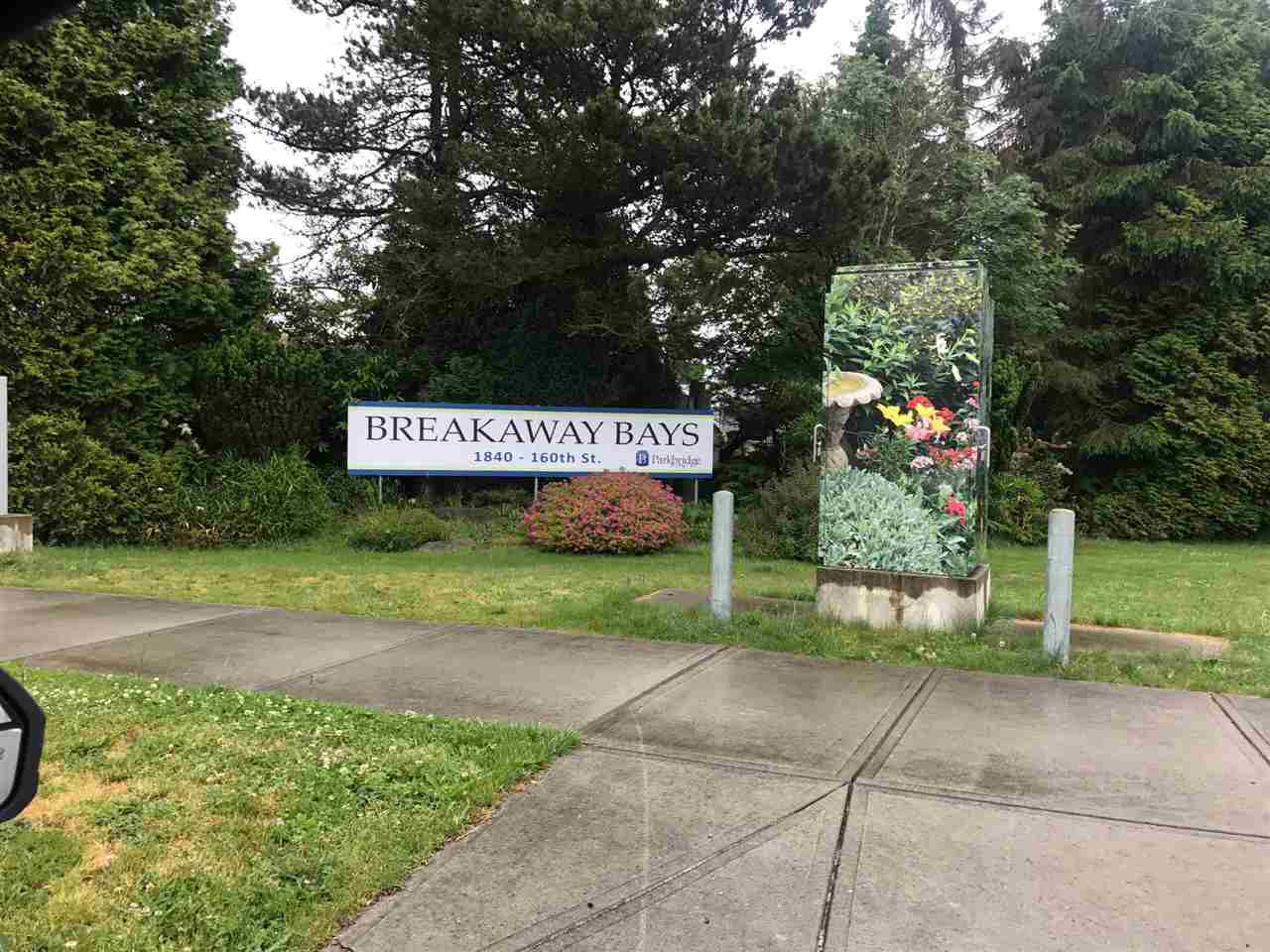 """Main Photo: 278 1840 160 Street in Surrey: King George Corridor Manufactured Home for sale in """"Breakaway BAYS"""" (South Surrey White Rock)  : MLS®# R2254664"""