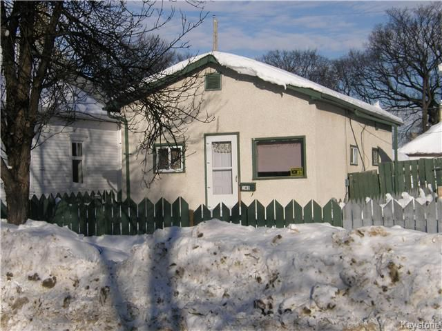 Main Photo: 643 Redwood Avenue in Winnipeg: North End Residential for sale (4A)  : MLS®# 1911571