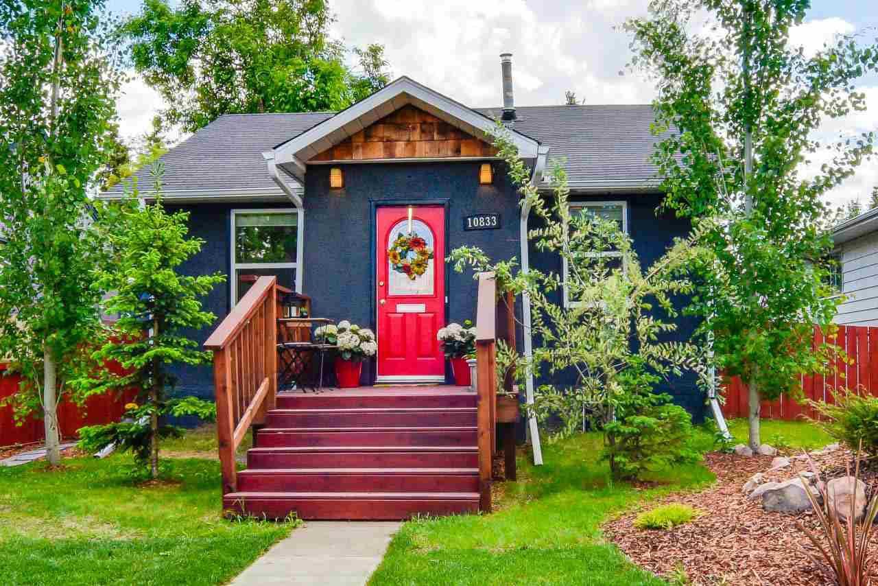 Main Photo: 10833 69 Avenue in Edmonton: Zone 15 House for sale : MLS®# E4160533