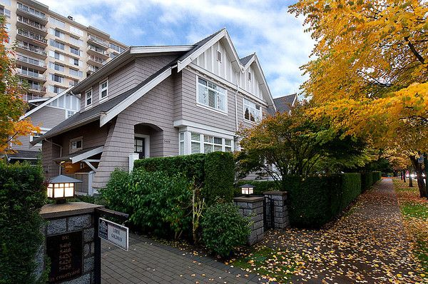 Main Photo: 5466 LARCH Street in Vancouver: Kerrisdale Townhouse for sale (Vancouver West)  : MLS®# V918064