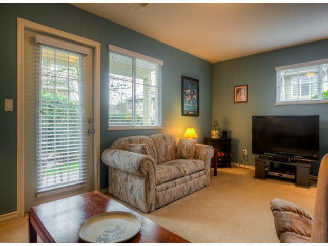 """Main Photo: 17 14959 58TH Avenue in Surrey: Sullivan Station Townhouse for sale in """"SKYLANDS"""" : MLS®# F1407272"""
