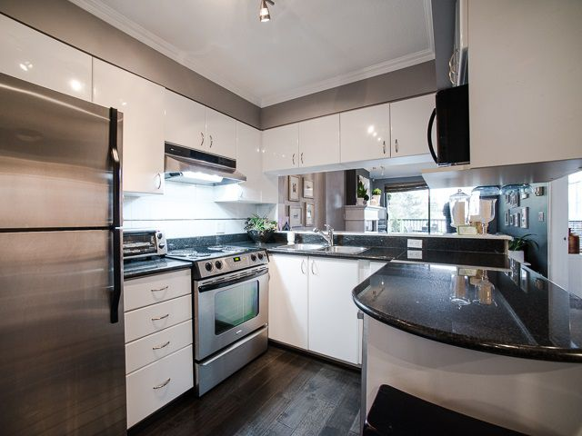 "Main Photo: 303 1226 HAMILTON Street in Vancouver: Yaletown Condo for sale in ""GREENWICH PLACE"" (Vancouver West)  : MLS®# R2056690"