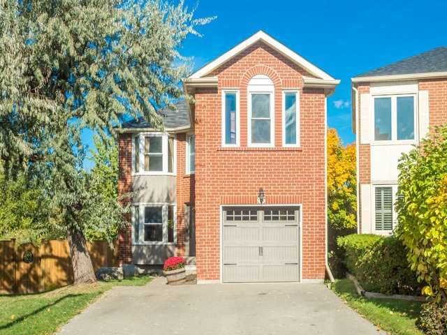 Main Photo: 45 Lansbury Court in Vaughan: Crestwood-Springfarm-Yorkhill House (2-Storey) for sale : MLS®# N3643516