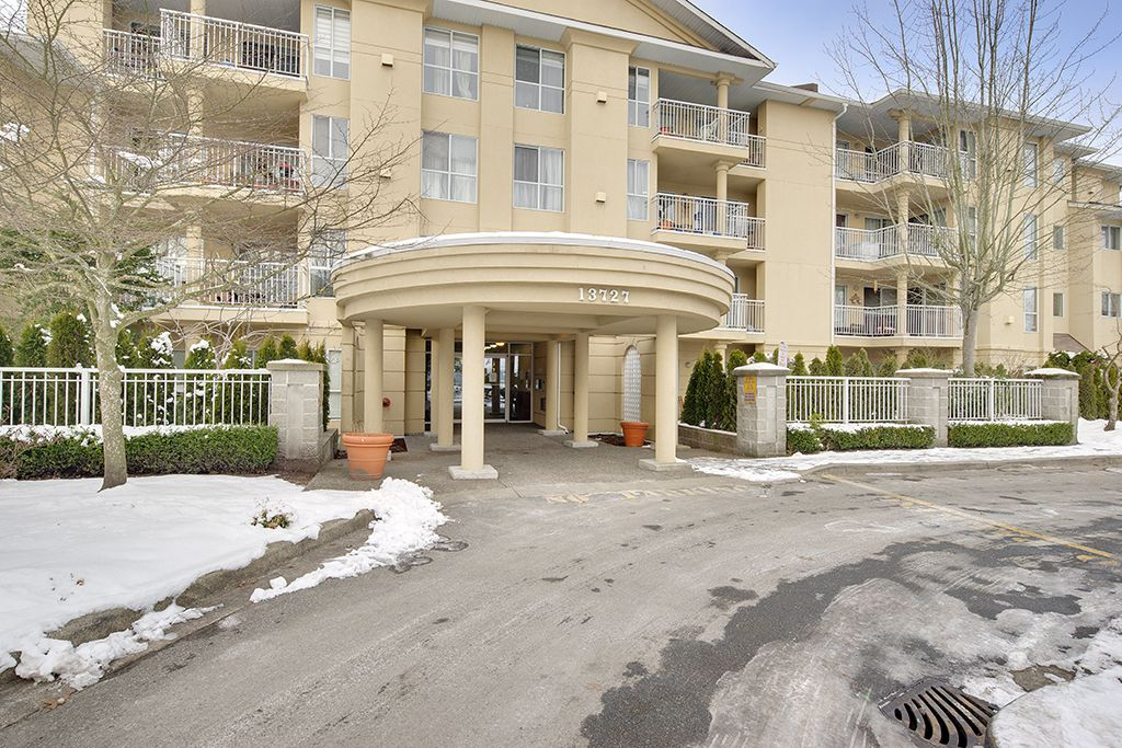 "Main Photo: 210 13727 74 Avenue in Surrey: East Newton Condo for sale in ""Kings Court"" : MLS®# R2128892"