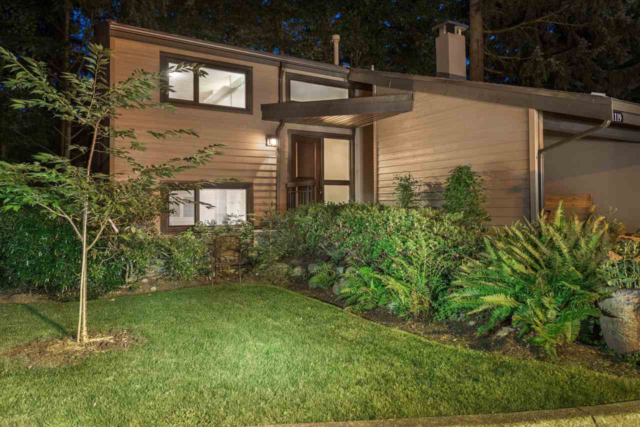 """Main Photo: 1119 HERITAGE Boulevard in North Vancouver: Seymour NV Townhouse for sale in """"HERITAGE IN THE WOODS"""" : MLS®# R2210880"""