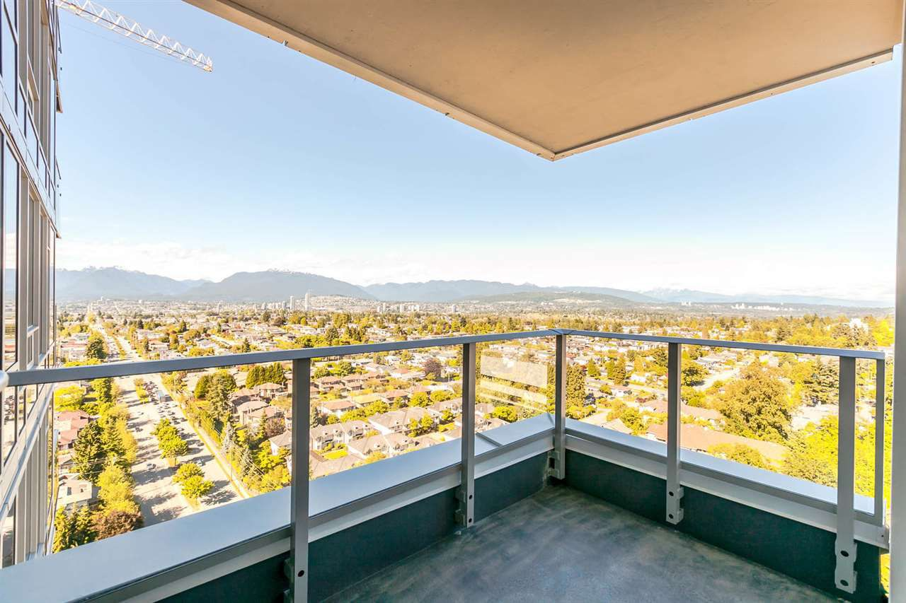 Main Photo: 2605 5515 BOUNDARY ROAD in Vancouver: Collingwood VE Condo for sale (Vancouver East)  : MLS®# R2179364
