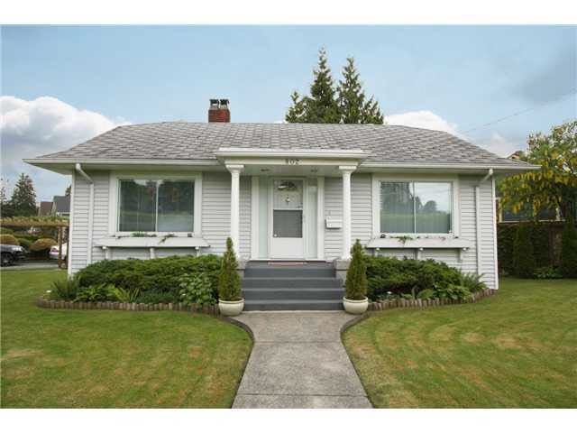 Main Photo: 802 EIGHTH Street in New Westminster: Moody Park House for sale : MLS®# R2273249
