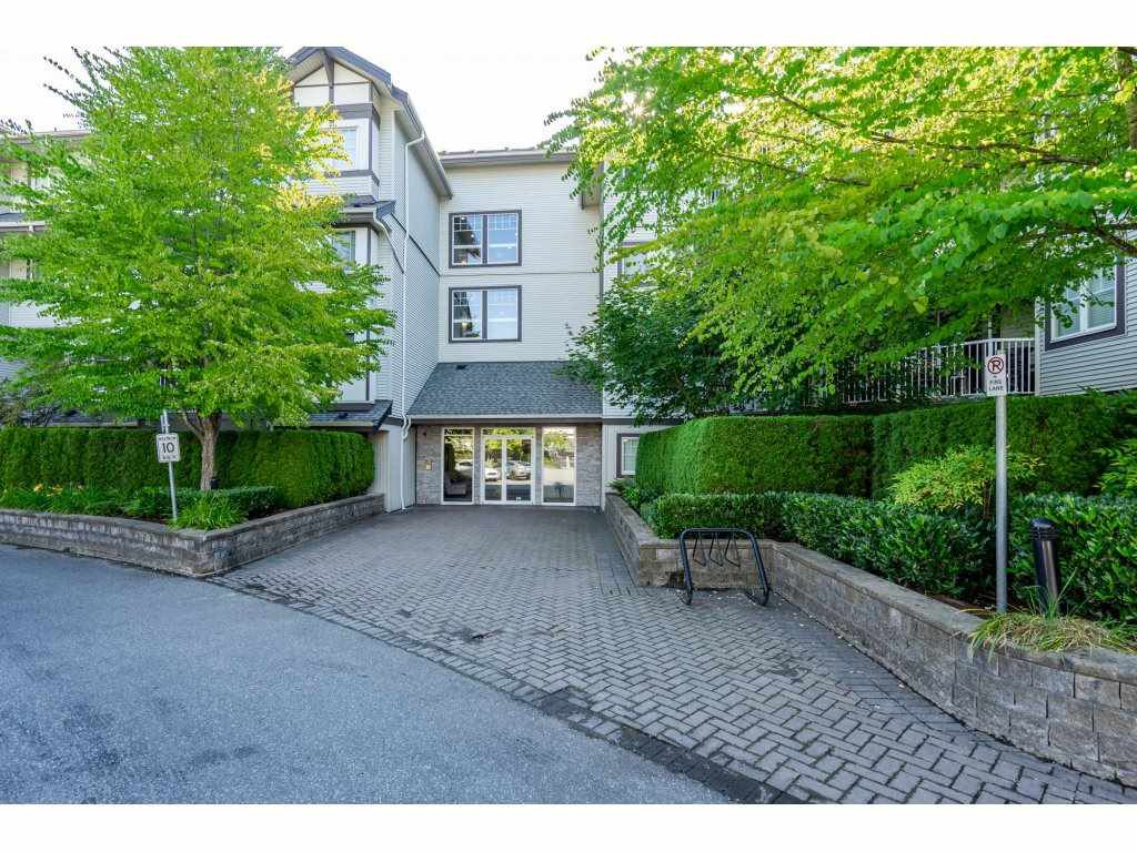 "Main Photo: 310 19340 65 Avenue in Surrey: Clayton Condo for sale in ""ESPRIT at Southlands"" (Cloverdale)  : MLS®# R2292653"