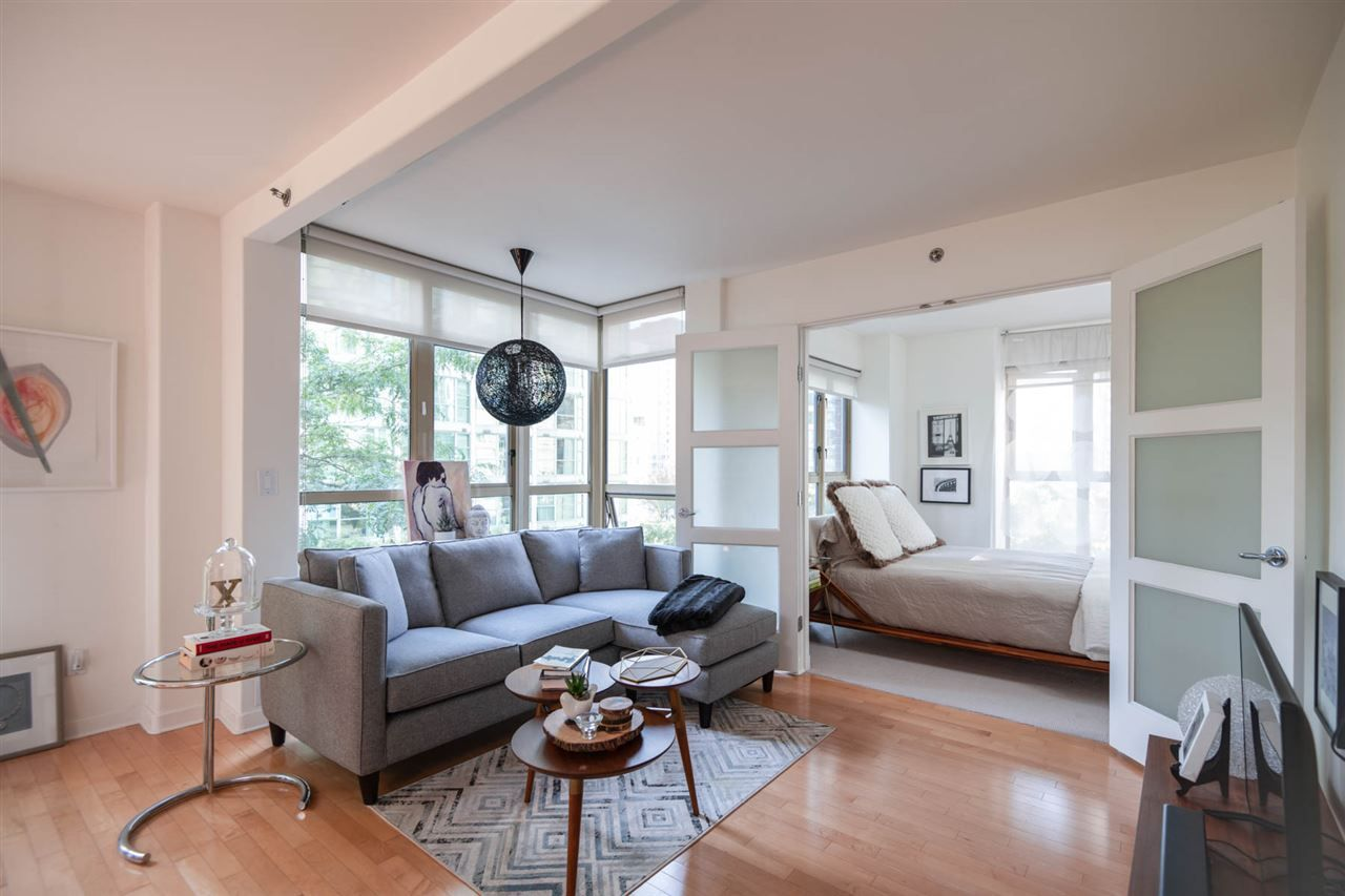 """Main Photo: 504 819 HAMILTON Street in Vancouver: Downtown VW Condo for sale in """"EIGHT ONE NINE"""" (Vancouver West)  : MLS®# R2306906"""