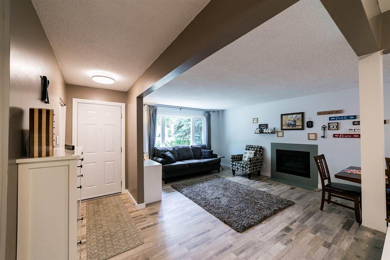 Main Photo: 5 SYCAMORE Avenue: St. Albert House for sale : MLS®# E4132151