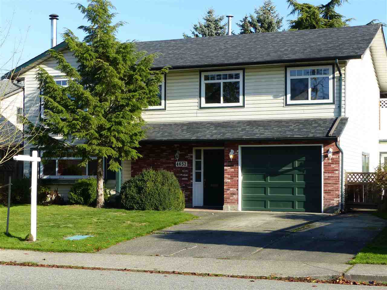 """Main Photo: 4652 46A Street in Ladner: Ladner Elementary House for sale in """"LADNER"""" : MLS®# R2321925"""