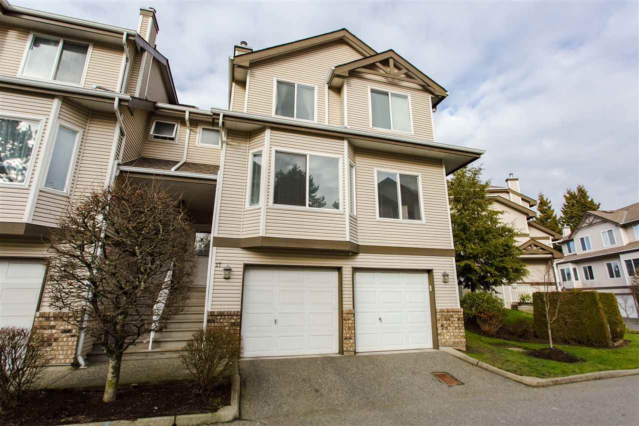 "Main Photo: 17 20750 TELEGRAPH Trail in Langley: Walnut Grove Townhouse for sale in ""Heritage Glen"" : MLS®# R2333696"
