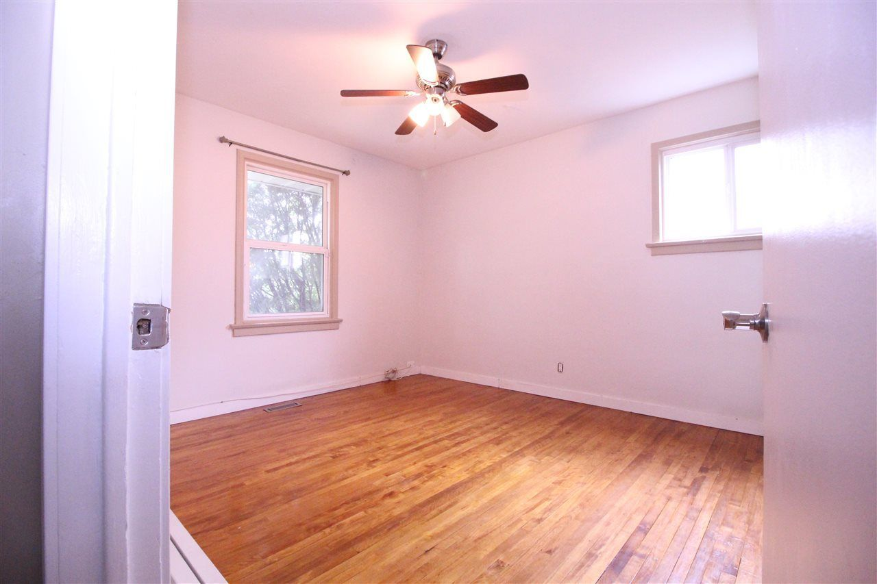 Photo 15: Photos: 11829 62 Street in Edmonton: Zone 06 House for sale : MLS®# E4144330