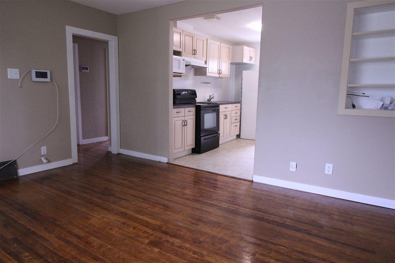 Photo 2: Photos: 11829 62 Street in Edmonton: Zone 06 House for sale : MLS®# E4144330