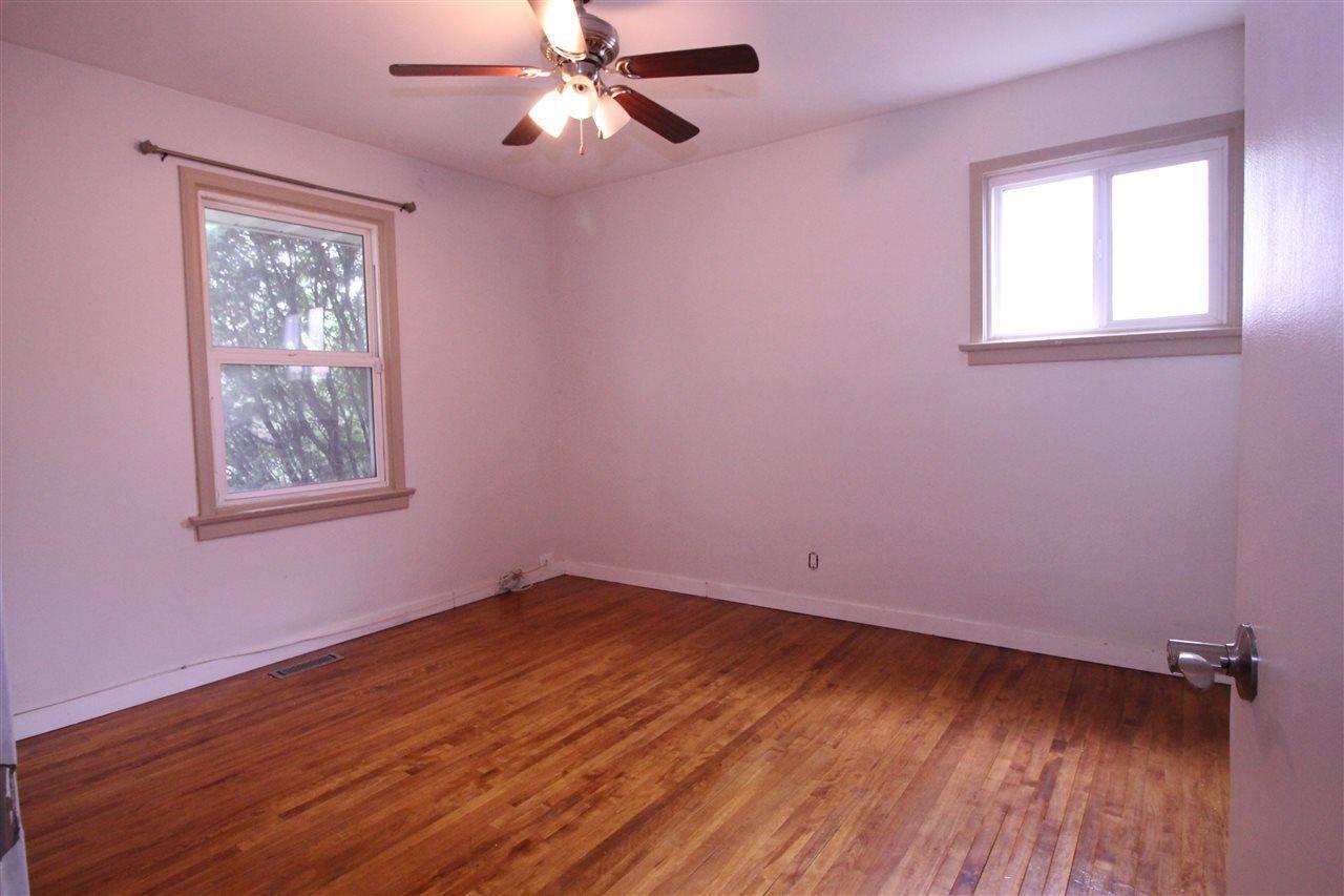 Photo 6: Photos: 11829 62 Street in Edmonton: Zone 06 House for sale : MLS®# E4144330
