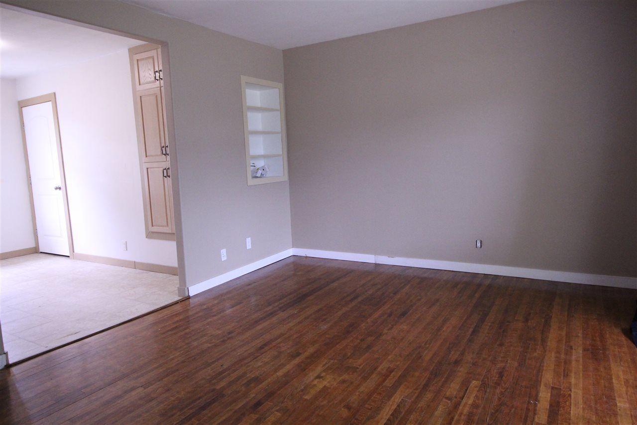Photo 4: Photos: 11829 62 Street in Edmonton: Zone 06 House for sale : MLS®# E4144330