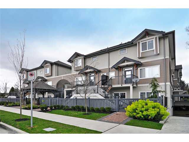 """Main Photo: 224 5211 IRMIN Street in Burnaby: Metrotown Townhouse for sale in """"ROYAL GARDENS"""" (Burnaby South)  : MLS®# V885252"""