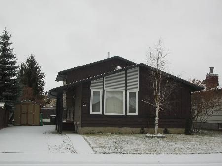 Main Photo: ECO UPGRADED 4 LEVEL SPLIT-GREAT FAMILY AREA-REDUCED! PRICED TO SELL