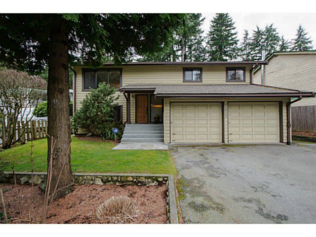 Main Photo: 1077 MOUNTAIN Highway in North Vancouver: Westlynn House for sale : MLS®# V1053444