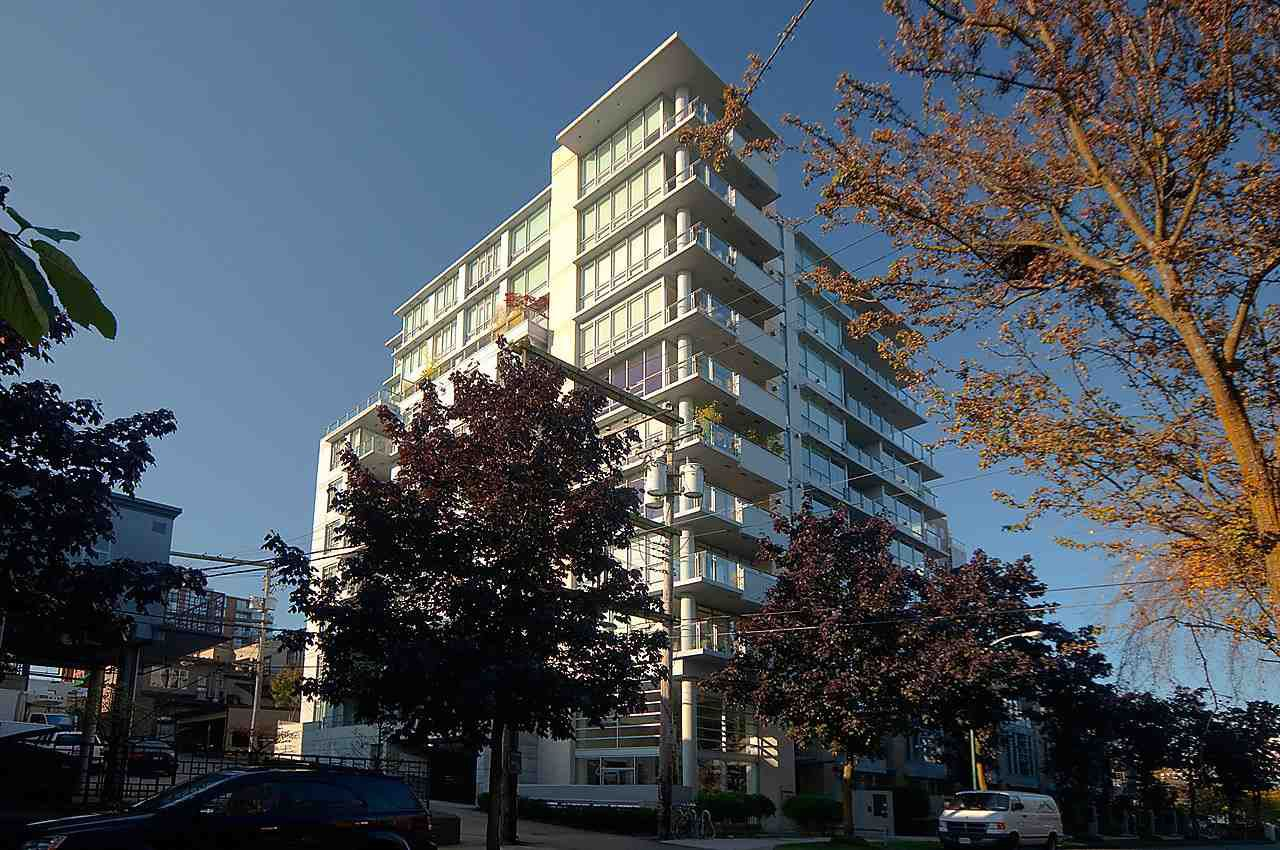 """Main Photo: 1002 1530 W 8TH Avenue in Vancouver: Fairview VW Condo for sale in """"PINTURA"""" (Vancouver West)  : MLS®# R2058765"""