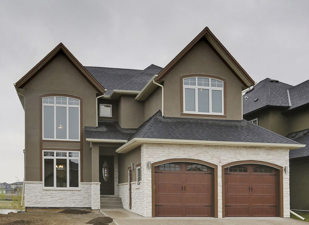 Main Photo: 236 Kinniburgh Circle in Chestermere: House for sale : MLS®# C4013330