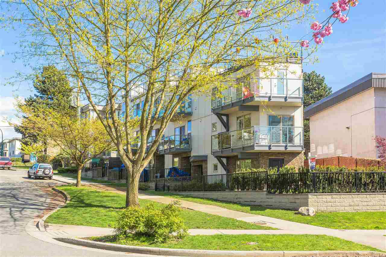 Main Photo: 2110 ETON STREET in Vancouver: Hastings Townhouse for sale (Vancouver East)  : MLS®# R2161026