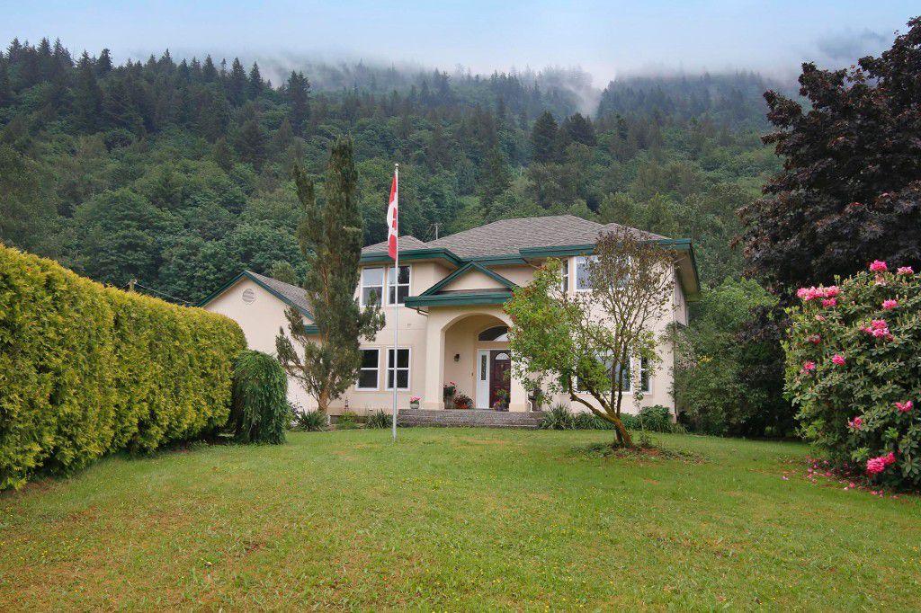 """Main Photo: 40218 WELLS LINE Road in Abbotsford: Sumas Prairie House for sale in """"SUMAS PRAIRIE"""" : MLS®# R2172038"""