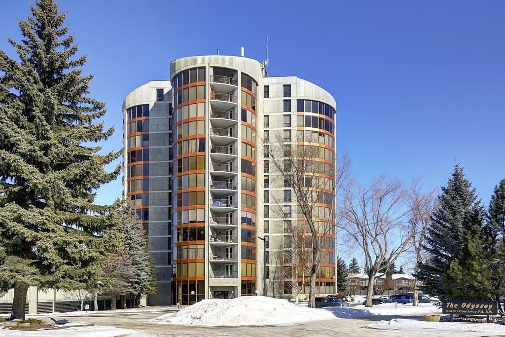 Main Photo: 20 COACHWAY RD SW in Calgary: Coach Hill Condo for sale : MLS®# C4167445