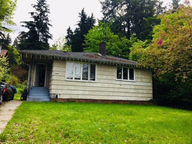 Main Photo: 1900 LARSON Road in North Vancouver: Hamilton House for sale : MLS®# R2266099