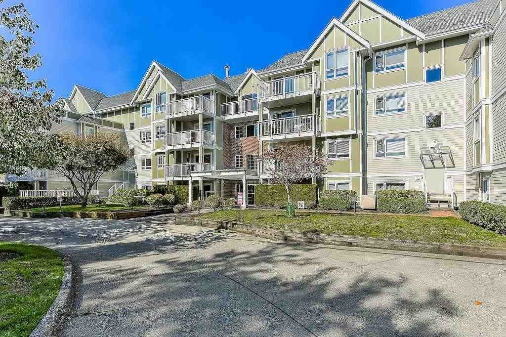 "Main Photo: 401 20189 54 Avenue in Langley: Langley City Condo for sale in ""CATALINA GARDENS"" : MLS®# R2310596"