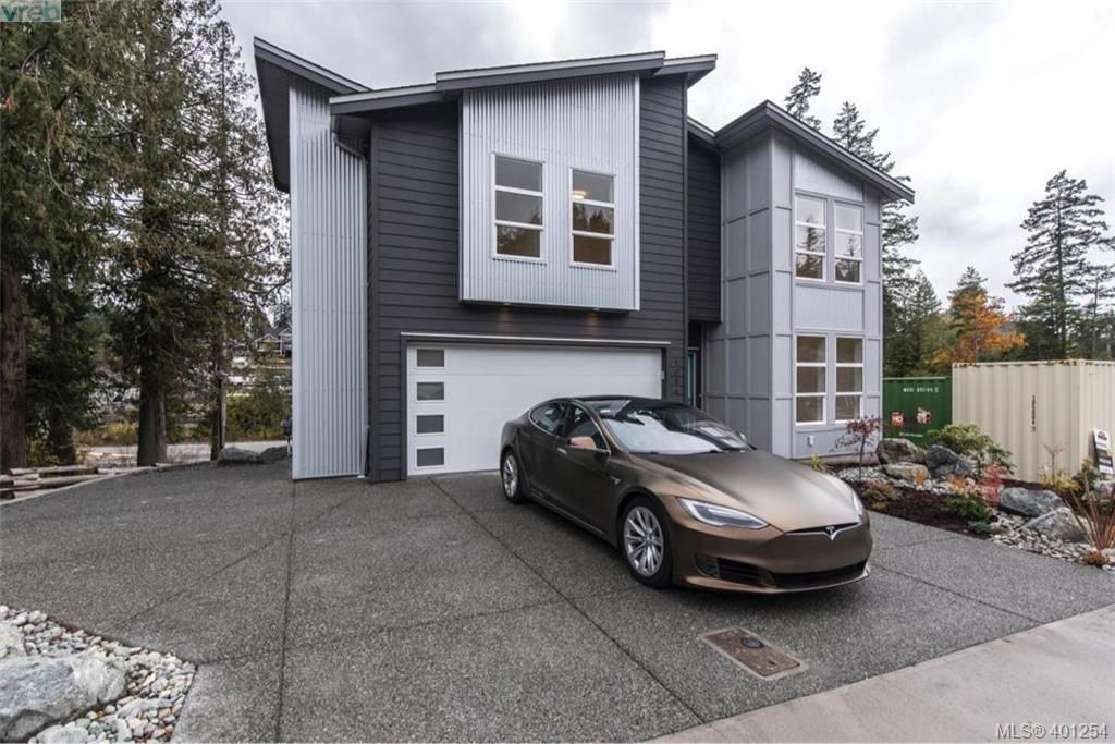 Main Photo: 1014 Golden Spire Crescent in VICTORIA: La Olympic View Single Family Detached for sale (Langford)  : MLS®# 401254