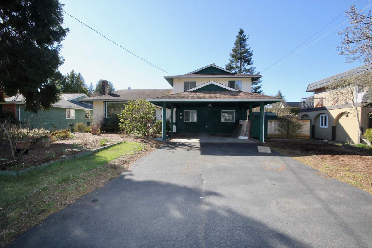 Main Photo: 211 52 Street in Delta: Pebble Hill House for sale (Tsawwassen)  : MLS®# R2330373
