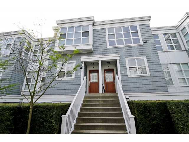 """Main Photo: 203 657 W 7TH Avenue in Vancouver: Fairview VW Townhouse for sale in """"THE IVY'S"""" (Vancouver West)  : MLS®# V1059646"""