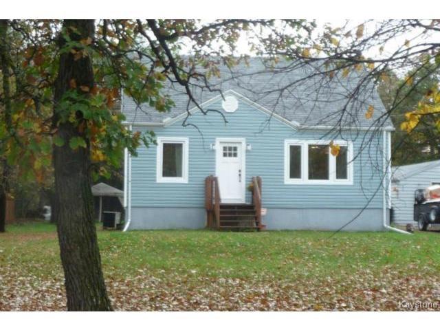 Main Photo: 380 Oakdale Drive in WINNIPEG: Charleswood Residential for sale (South Winnipeg)  : MLS®# 1424260