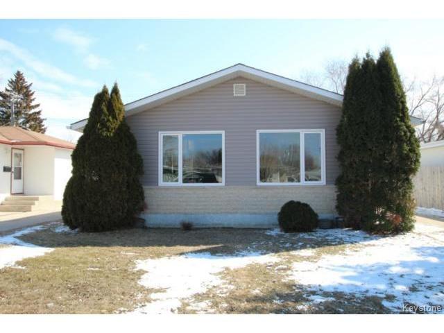Main Photo: 911 Vimy Road in WINNIPEG: Westwood / Crestview Residential for sale (West Winnipeg)  : MLS®# 1508235