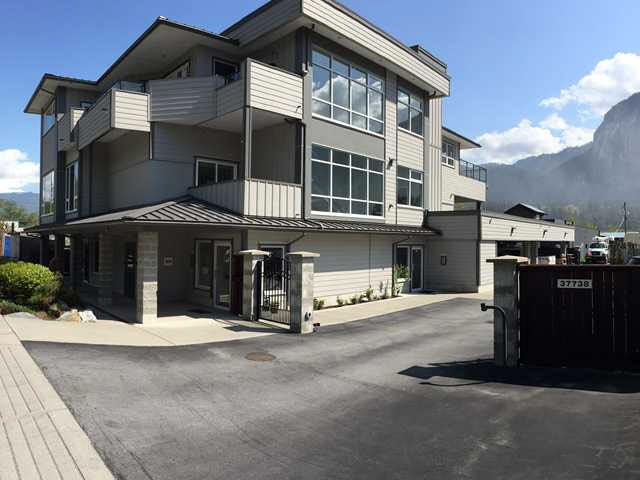 Main Photo: 37738 THIRD Avenue in Squamish: Downtown SQ Commercial for lease : MLS®# V4044409
