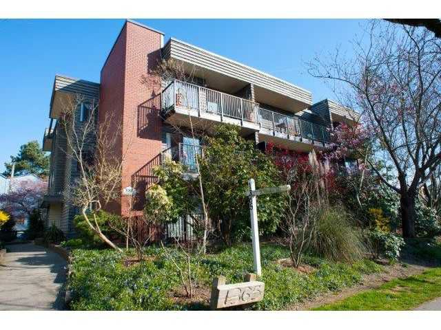 "Main Photo: 204 1365 E 7TH Avenue in Vancouver: Grandview VE Condo for sale in ""MCLEAN GARDENS"" (Vancouver East)  : MLS®# V1127103"