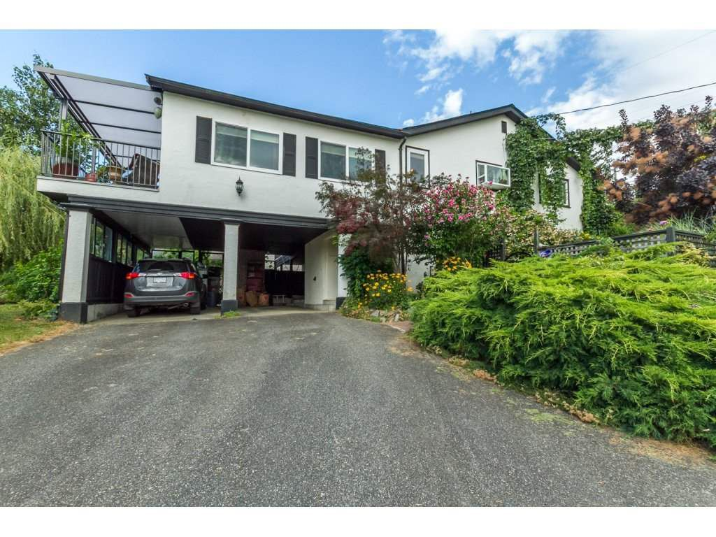 Main Photo: 32944 4TH Avenue in Mission: Mission BC House for sale : MLS®# R2097682