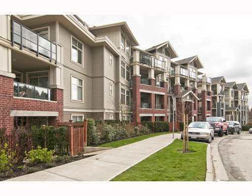 "Main Photo: 203 285 ROSS Drive in New Westminster: Fraserview NW Condo for sale in ""THE GROVE"" : MLS®# R2127941"