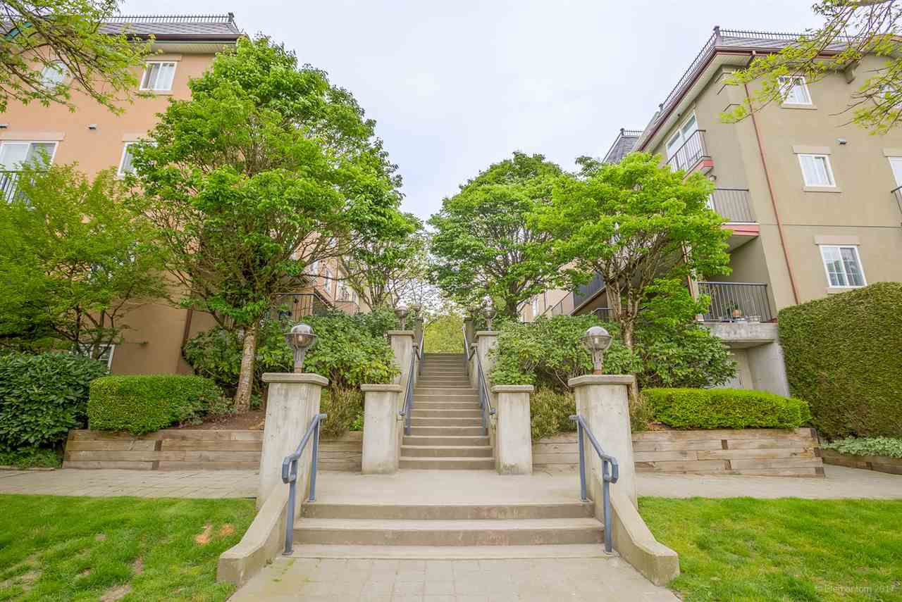 Main Photo: 39 1561 BOOTH Avenue in Coquitlam: Maillardville Townhouse for sale : MLS®# R2164462