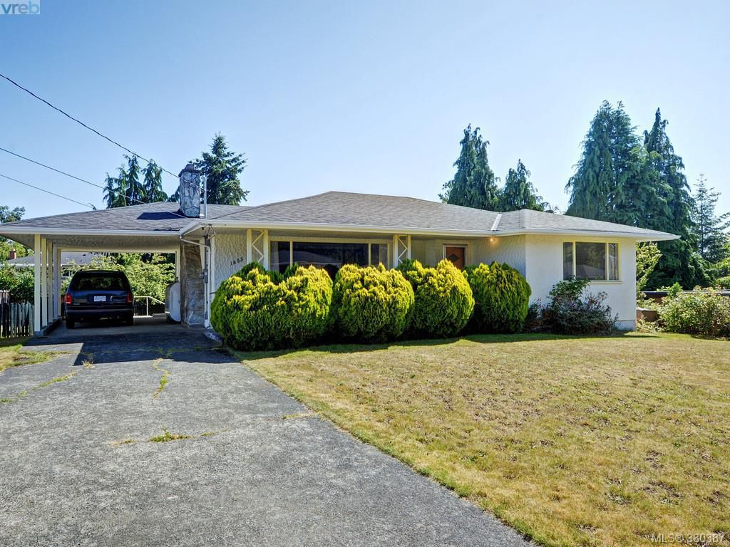Main Photo: 1855 Fairburn Drive in VICTORIA: SE Gordon Head Single Family Detached for sale (Saanich East)  : MLS®# 380387