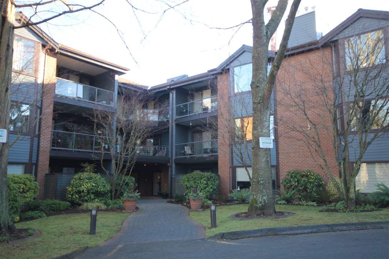 "Main Photo: 107 15300 17TH Avenue in Surrey: King George Corridor Condo for sale in ""Cambridge Two"" (South Surrey White Rock)  : MLS®# R2238511"