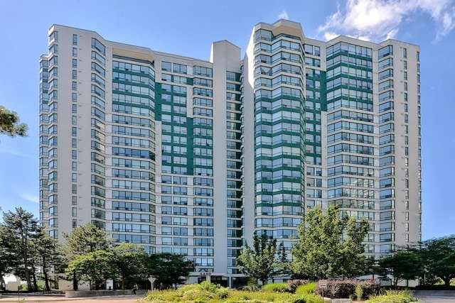 Main Photo: 904 4460 Tucana Court in Mississauga: Hurontario Condo for lease : MLS®# W4220631