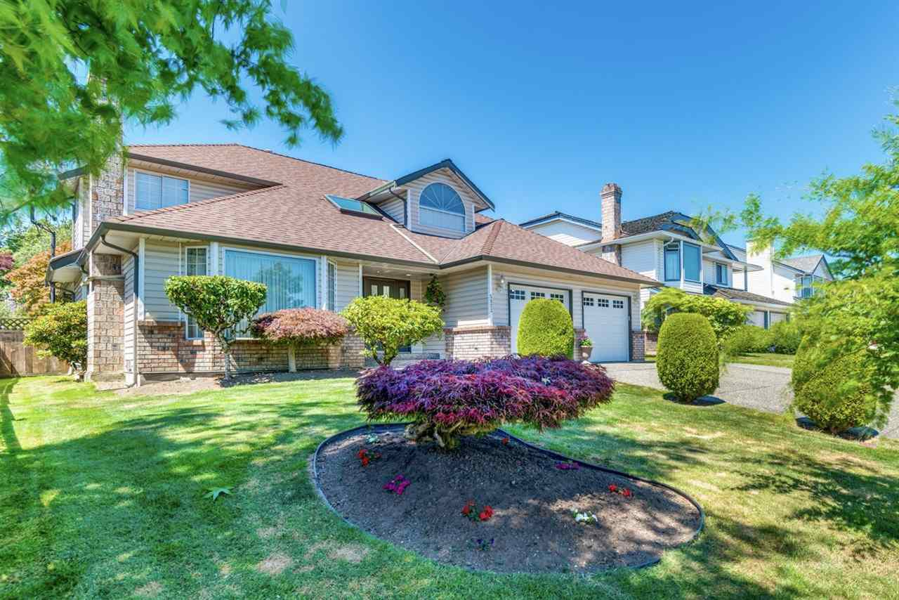 Main Photo: 5923 188 Street in Surrey: Cloverdale BC House for sale (Cloverdale)  : MLS®# R2336590