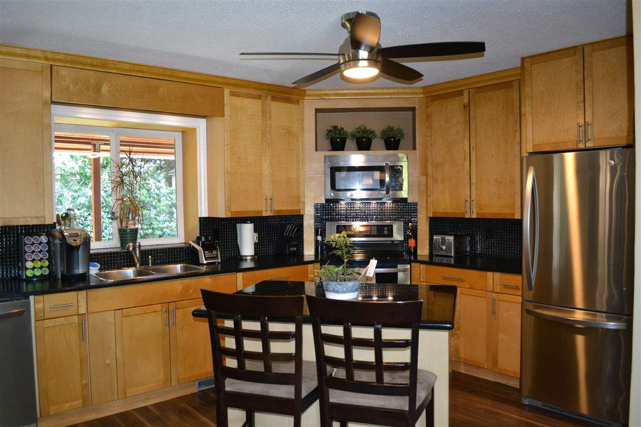 Photo 2: Photos: 32557 WILLINGDON Crescent in Abbotsford: Abbotsford West House for sale : MLS®# R2377730
