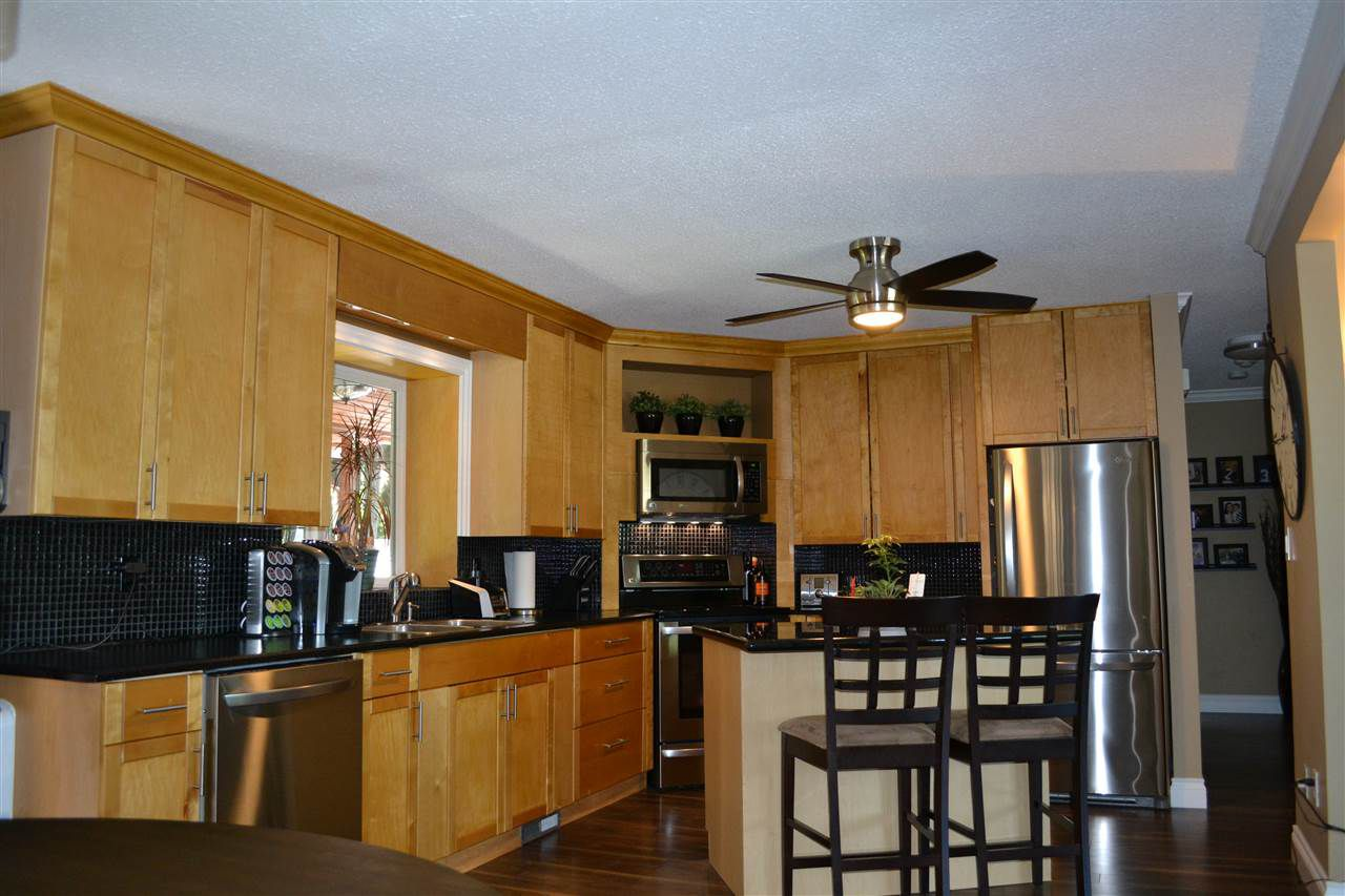 Photo 3: Photos: 32557 WILLINGDON Crescent in Abbotsford: Abbotsford West House for sale : MLS®# R2377730