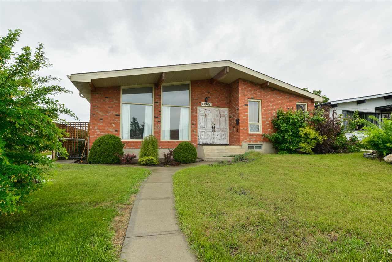 Main Photo: 13904 86 Street in Edmonton: Zone 02 House for sale : MLS®# E4160838