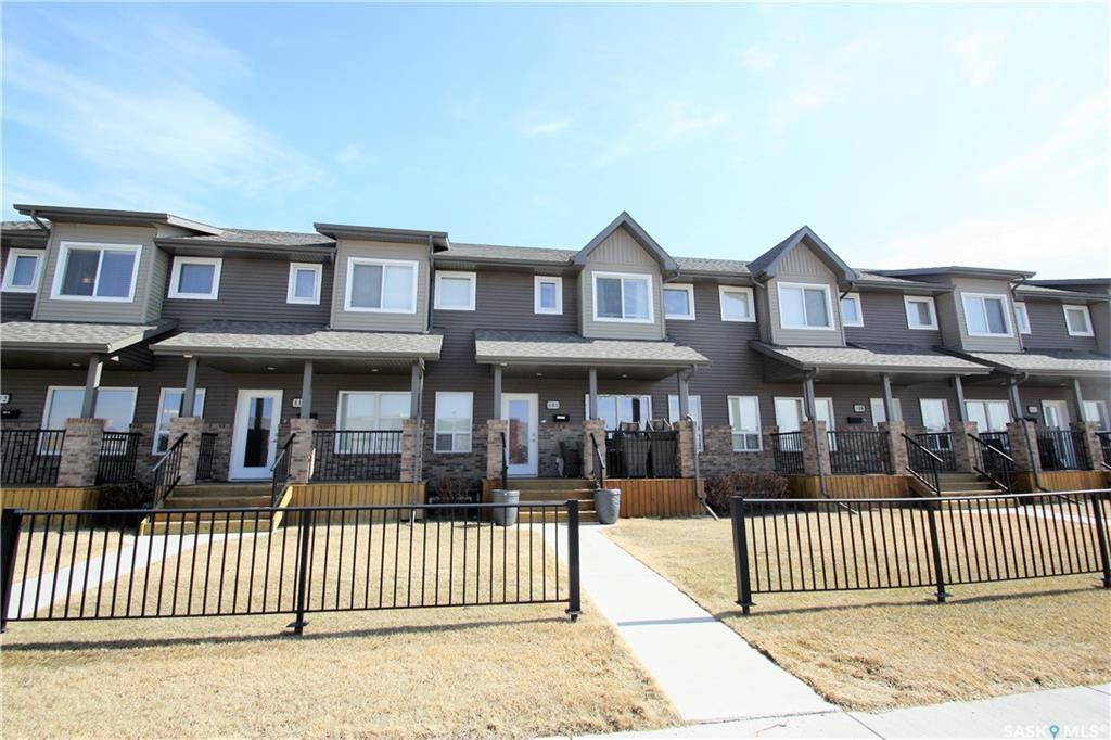 Main Photo: 808 Stensrud Road in Saskatoon: Willowgrove Residential for sale : MLS®# SK775990