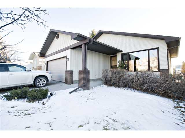 Main Photo: 43 EDFORTH Way NW in CALGARY: Edgemont Residential Detached Single Family for sale (Calgary)  : MLS®# C3504260