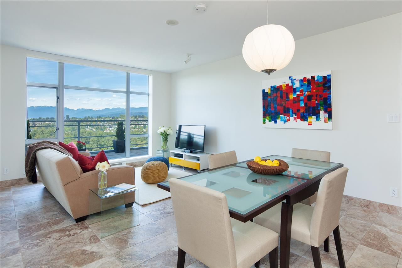 """Main Photo: 2306 280 ROSS Drive in New Westminster: Fraserview NW Condo for sale in """"THE CARLYLE"""" : MLS®# R2101139"""